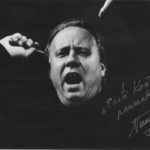 The dedication on the photo dates back to Neeme Järvi's return to the Estonian National Symphony Orchestra (ERSO) after a break of 13 years. The programme (15 May 1993, Estonia Concert Hall) included Mihkel Lüdig's Overture-Fantasy No 1, Eino Tamberg's Concerto grosso, Beethoven's Symphony No 5, and Sibelius' Andante festivo as encore.